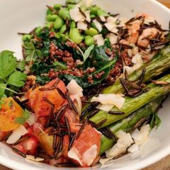 Unbeliva-bowl food on John Two new restaurants promise healthy, on-the-go meals without breaking the bank