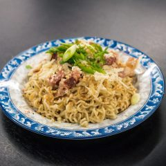 In the kitchen with Brandon Jackson   The ultimate student hack on carbonara with instant ramen